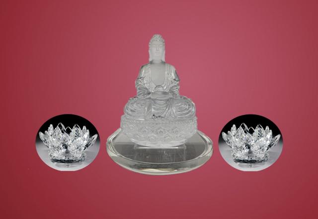 水晶莲花和水晶佛像